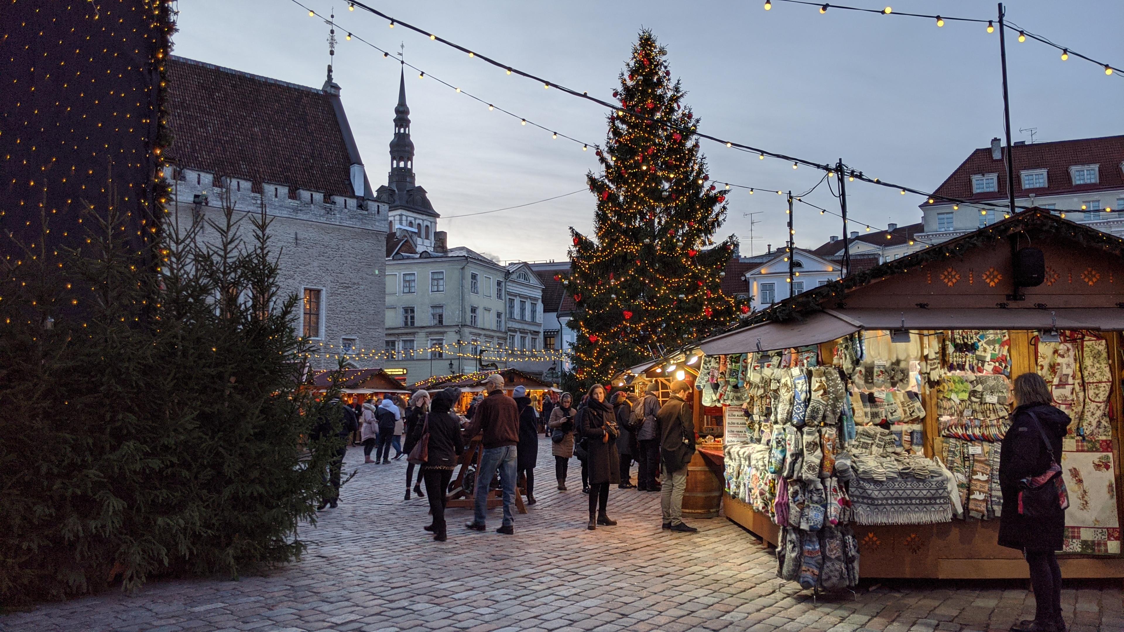 Таллин на Новый год преображается в сказку